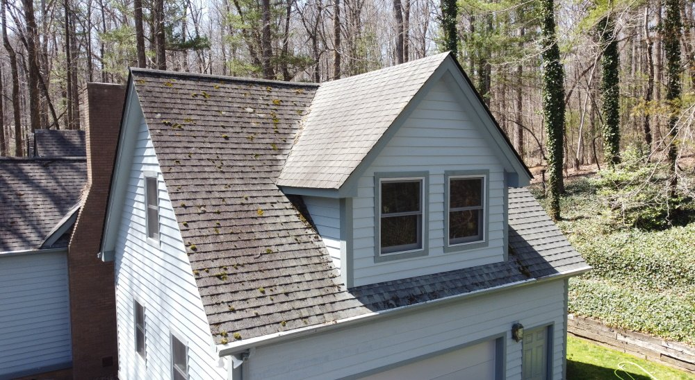 Roof Cleaning In Hendersonville NC